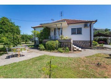 Family house, Rent, Podgorica, Masline