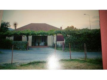 Porodična kuća, Prodaja, Podgorica, Tološi