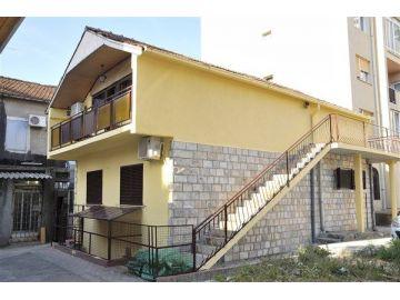 Porodična kuća, Prodaja, Podgorica, Centar