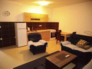 Stan u zgradi, Izdavanje, Podgorica, Donja Gorica