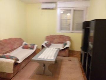 Stan u zgradi, Izdavanje, Podgorica, Momišići