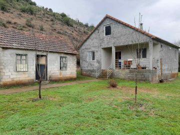 Porodična kuća, Prodaja, Danilovgrad, Bandići