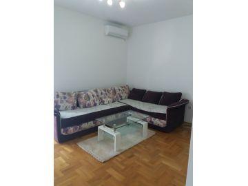 Stan u zgradi, Izdavanje, Podgorica, Zabjelo